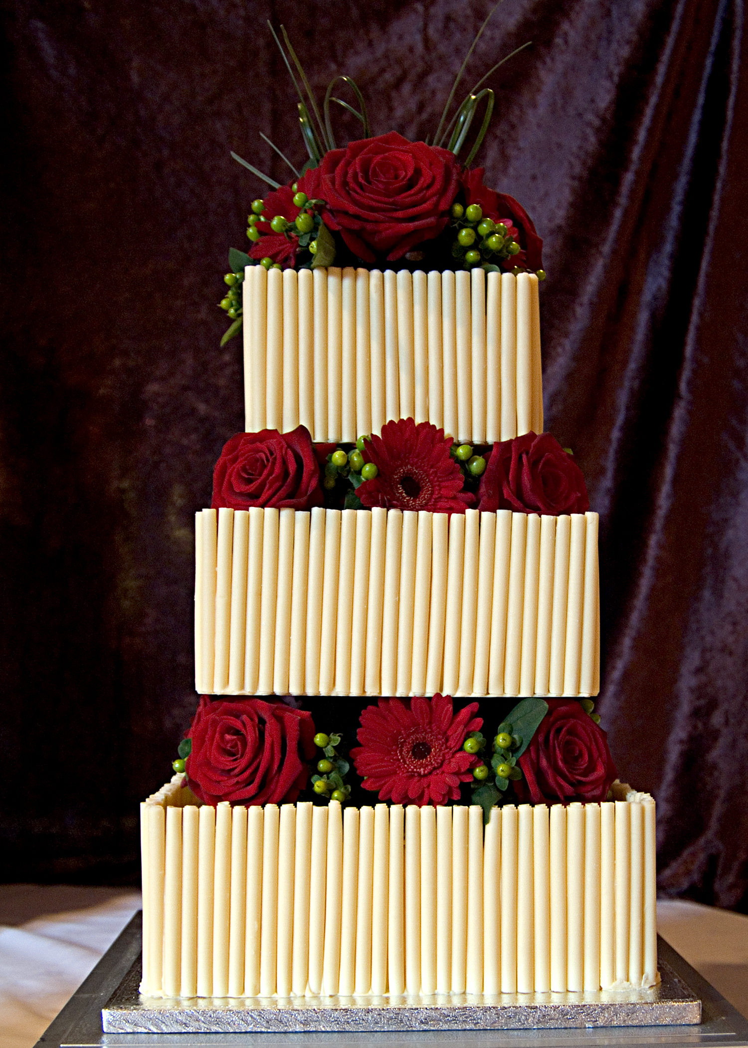 White Chocolate and Red Roses | Wedding Cakes