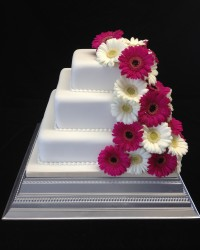 square gerbera wedding cake pink and ivory